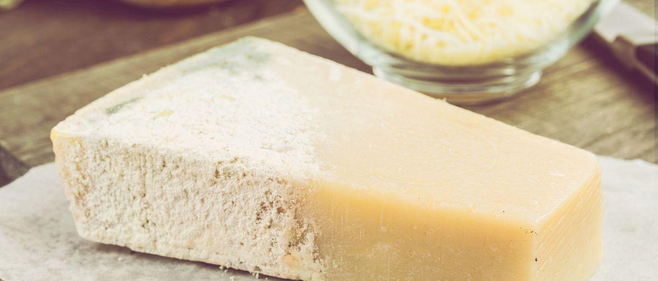 Käse schimmel abschneiden